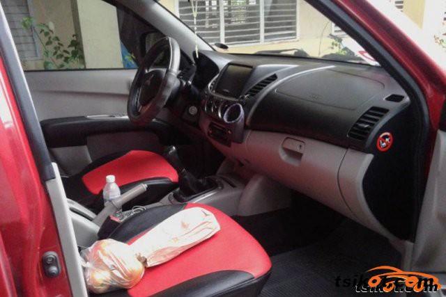 Mitsubishi Strada 2009 - 3