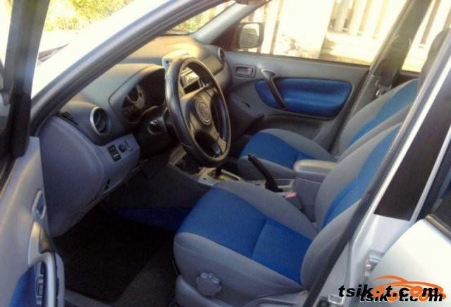Toyota Rav4 2002 - 4