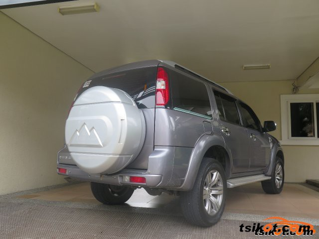 Ford Everest 2010 - 3