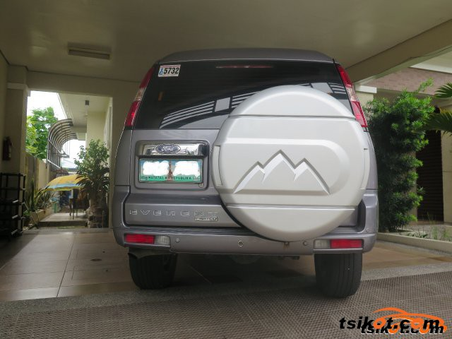 Ford Everest 2010 - 4