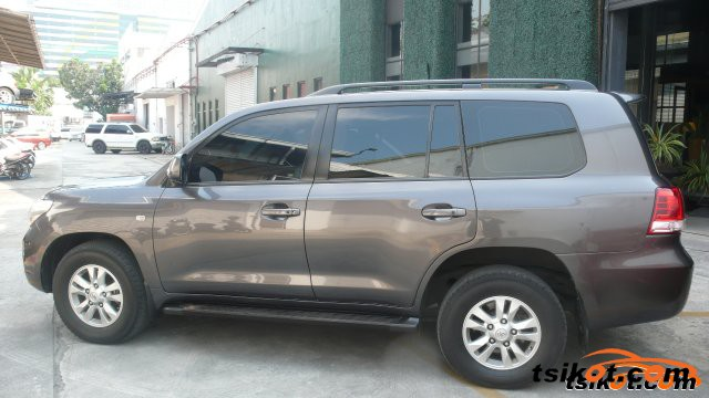 Toyota Land Cruiser 2011 - 4