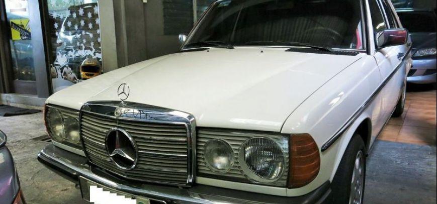 Mercedes-Benz 230 1979 - 2