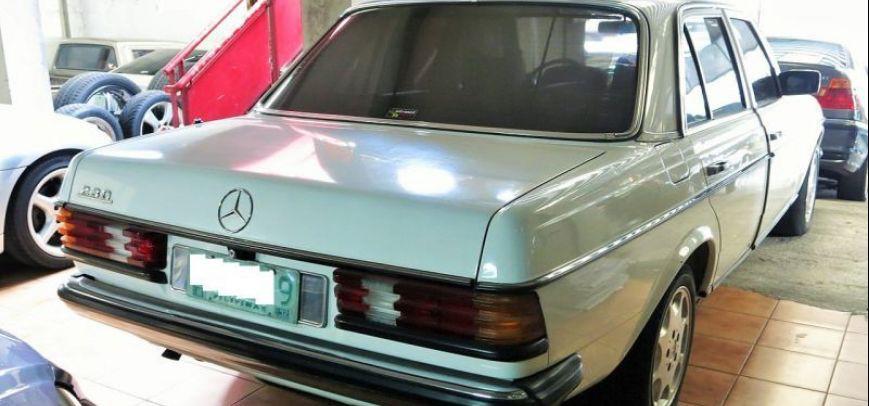 Mercedes-Benz 230 1979 - 3