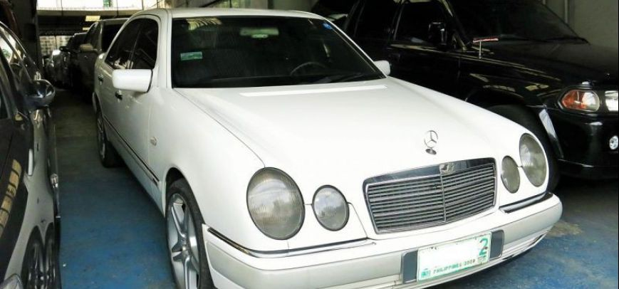 Mercedes-Benz 230 1996 - 1