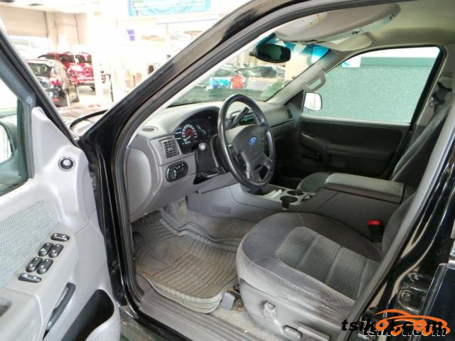Ford Explorer 2002 - 3