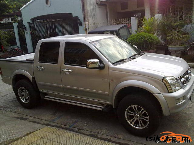 isuzu d-max 2004 - car for sale central luzon