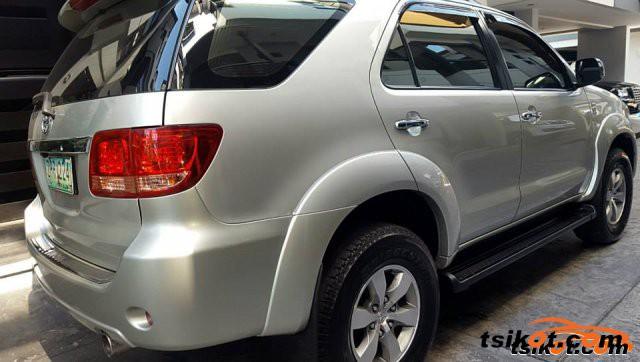 Toyota Fortuner 2008 - 2