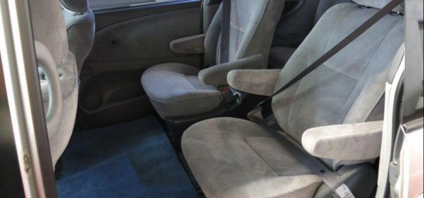 Toyota Previa 2013 - 10
