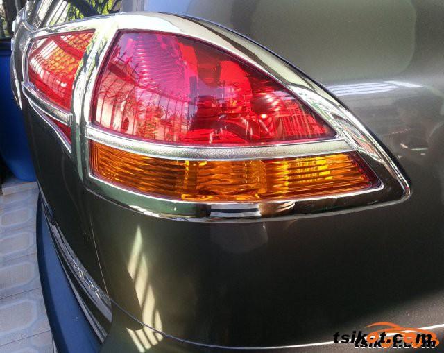 Mitsubishi Montero 2012 - 6