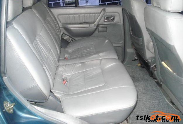 Mitsubishi Pajero 1999 - 3