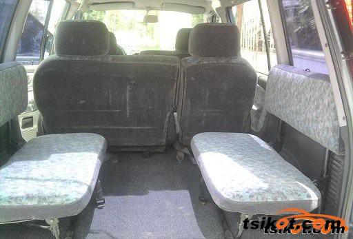 Mitsubishi Adventure 2003 - 4