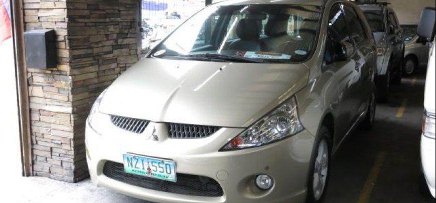 Mitsubishi Grandis 2009 - 1