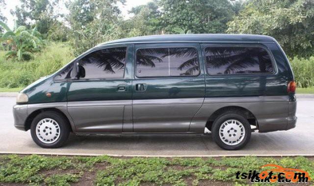 Mitsubishi Spacegear 2004 - 4