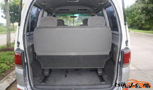 Toyota Hi-Ace 2007 - 4
