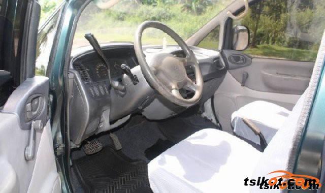 Mitsubishi Delica Space Gear 2004 - 3