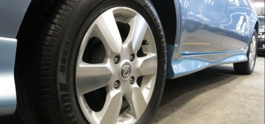 Nissan Grand Livina 2010 - 10