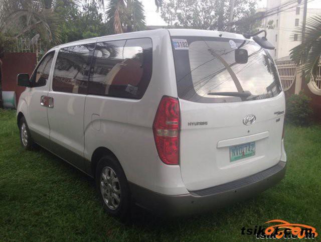 Hyundai Starex 2009 - 2