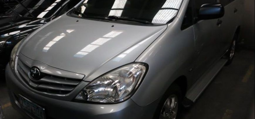 Toyota Innova 2009 - 6
