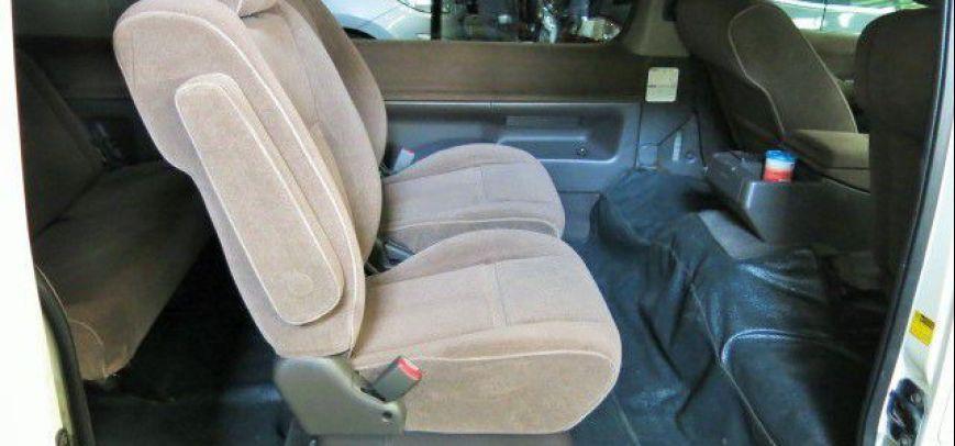 Toyota Hi-Ace 2004 - 4
