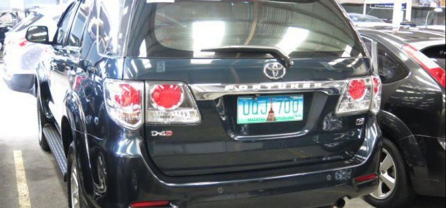 Toyota Fortuner 2012 - 3