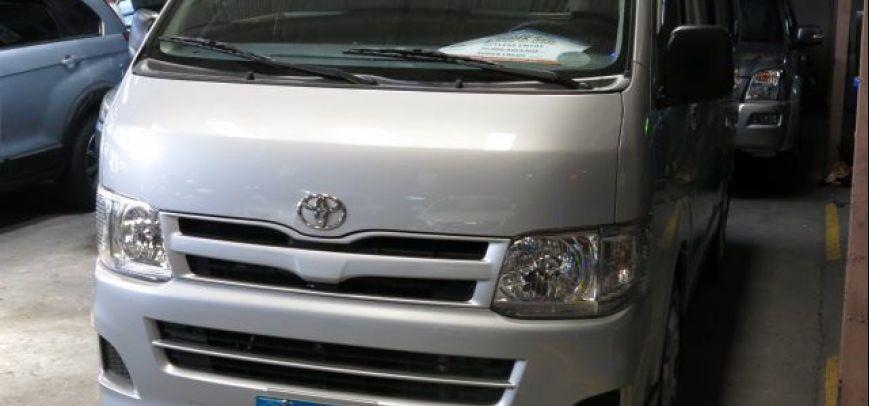 Toyota Hi-Ace 2013 - 1