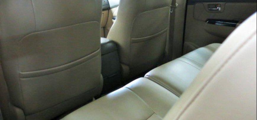 Toyota Fortuner 2012 - 10