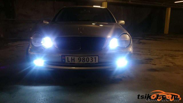 Mercedes-Benz 200 2001 - 3