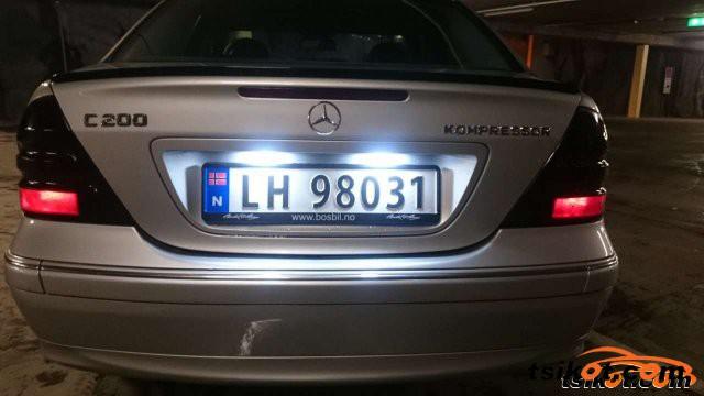 Mercedes-Benz 200 2001 - 5