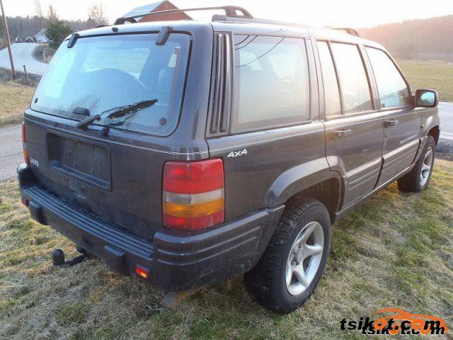 Jeep Grand Cherokee 2000 - 5