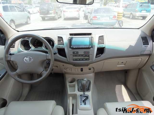 Toyota Fortuner 2008 - 3