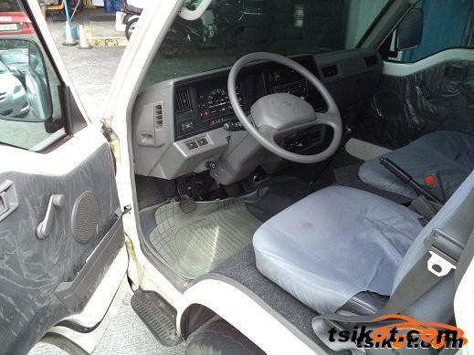 Nissan Urvan 2014 - 2