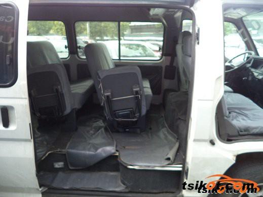 Nissan Urvan 2014 - 3