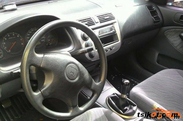 Honda Civic 2002 - 3