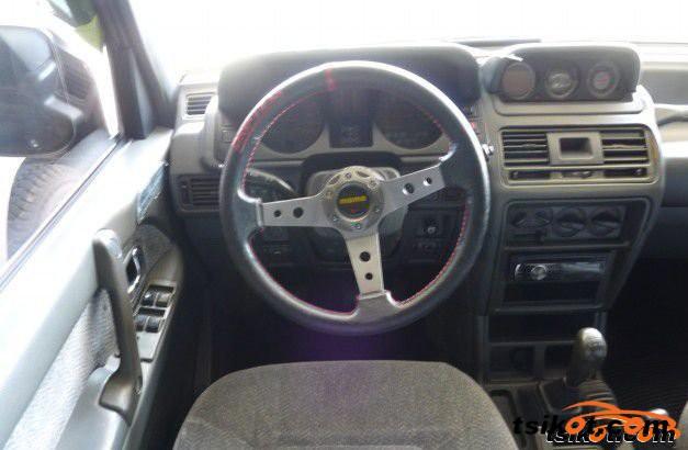 Mitsubishi Pajero 1995 - 1