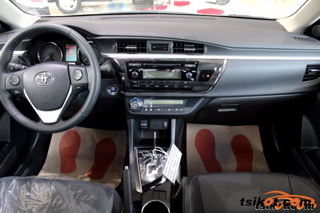 Toyota Corolla 2016 - 3
