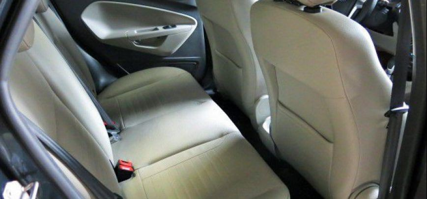 Ford Fiesta 2014 - 9