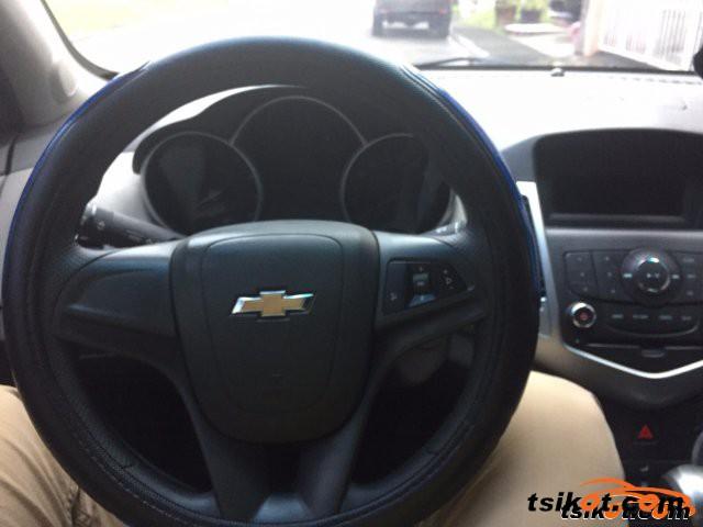 Holden Cruze 2010 - 4