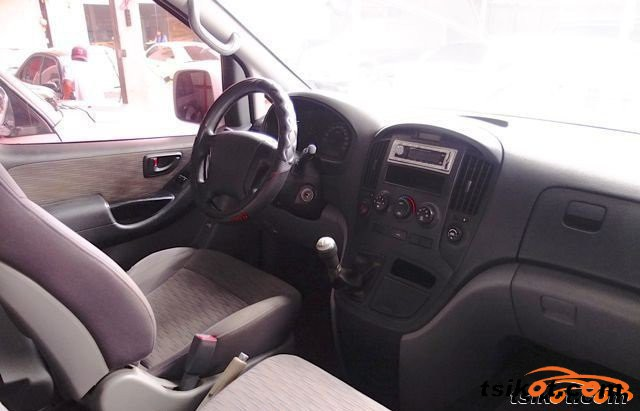 Hyundai Grand 2008 - 2