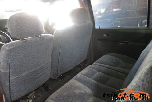 Mitsubishi Adventure 2002 - 4