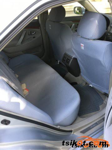 Toyota Camry 2006 - 4