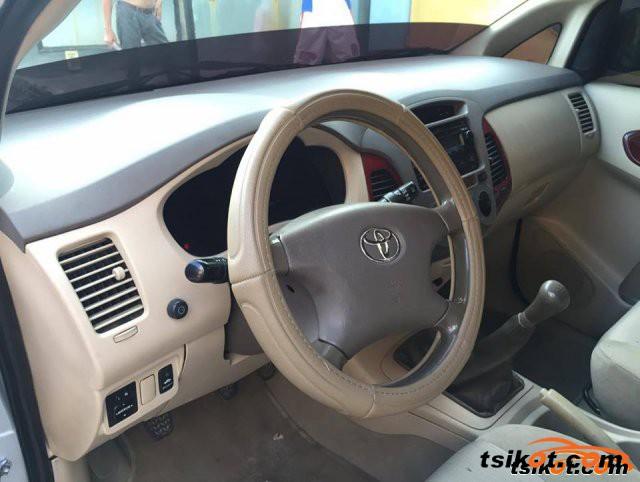 Toyota Innova 2006 - 5