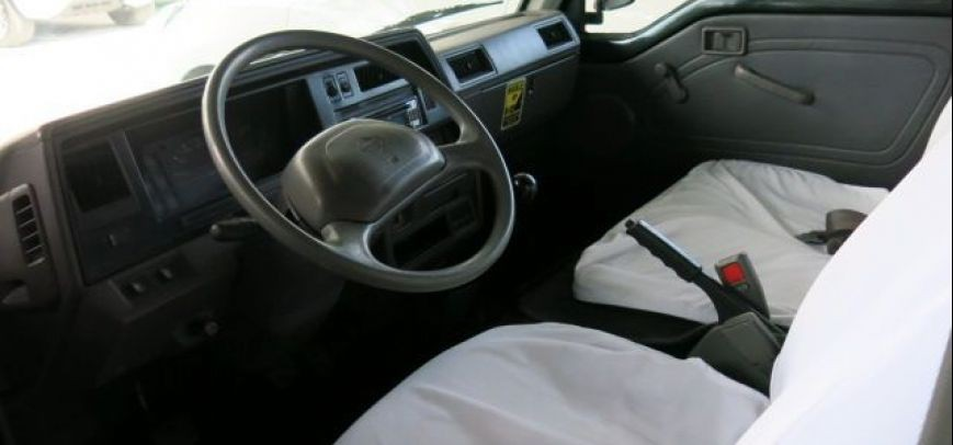 Nissan Urvan 2008 - 3
