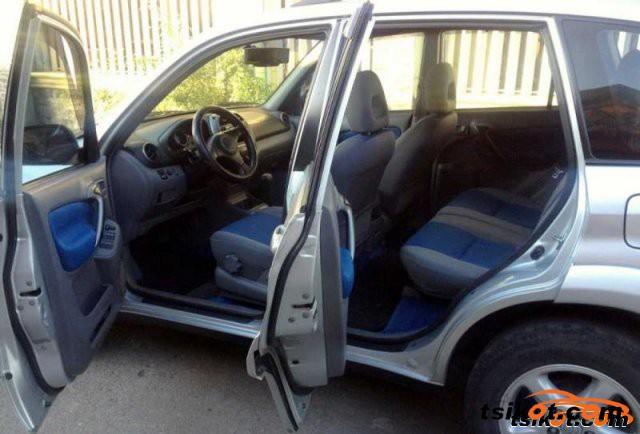 Toyota Rav4 2002 - 3