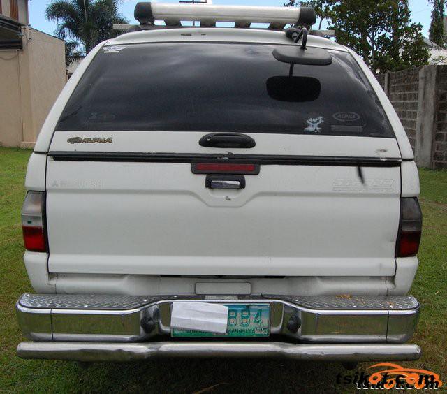 Mitsubishi Strada 2005 - 4