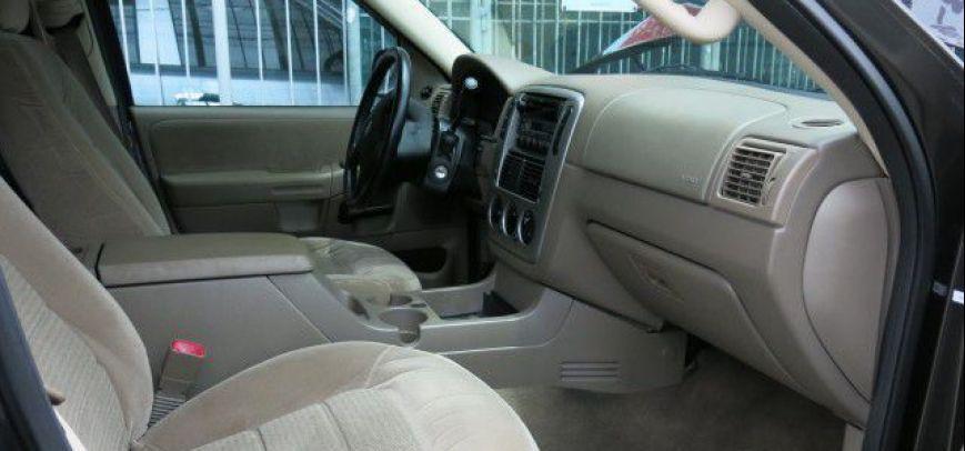 Ford Explorer 2005 - 11