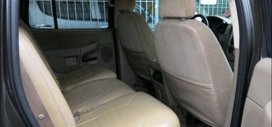 Ford Explorer 2005 - 12