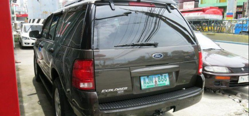 Ford Explorer 2005 - 8