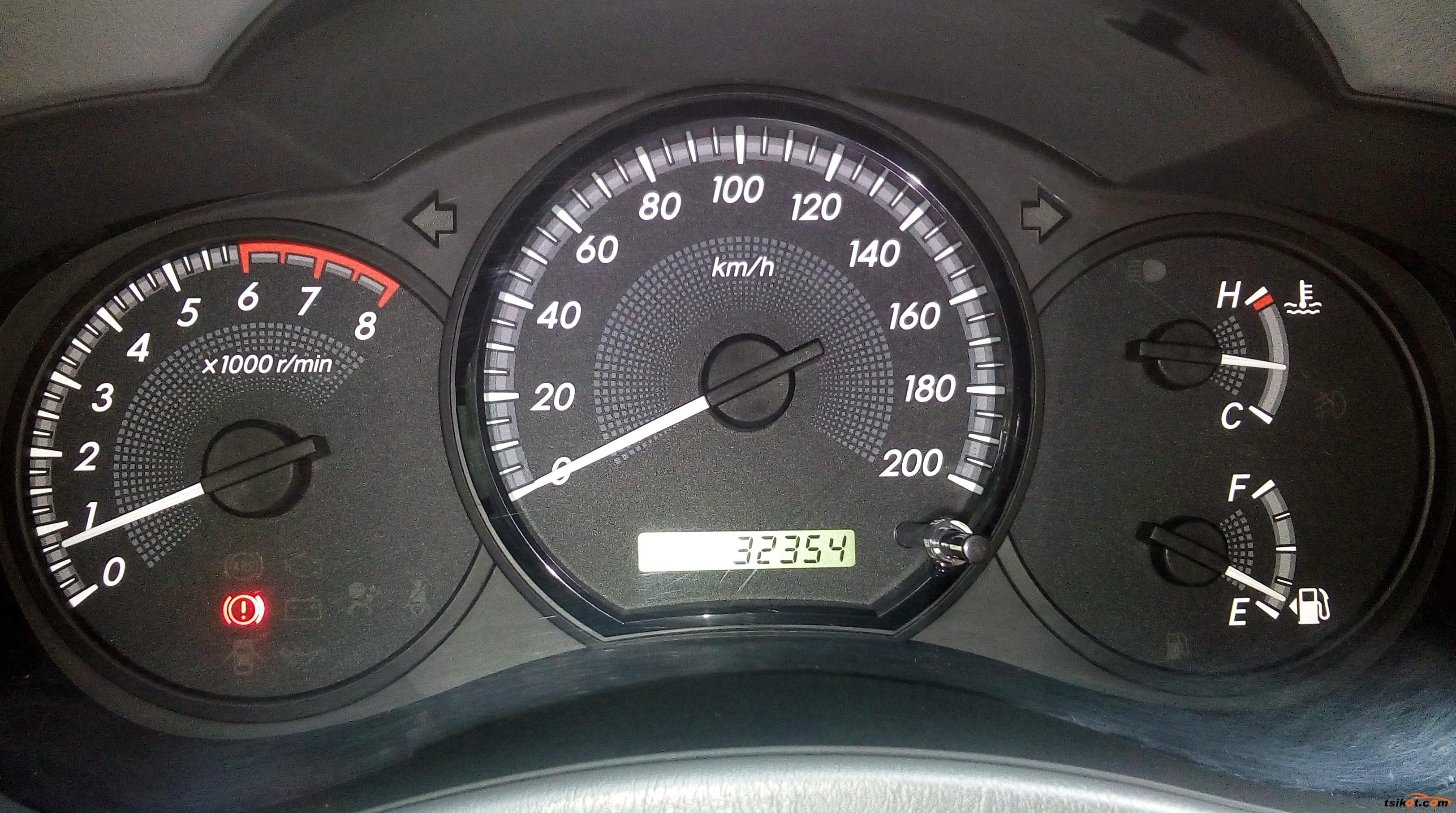 Toyota Innova 2013 - 9