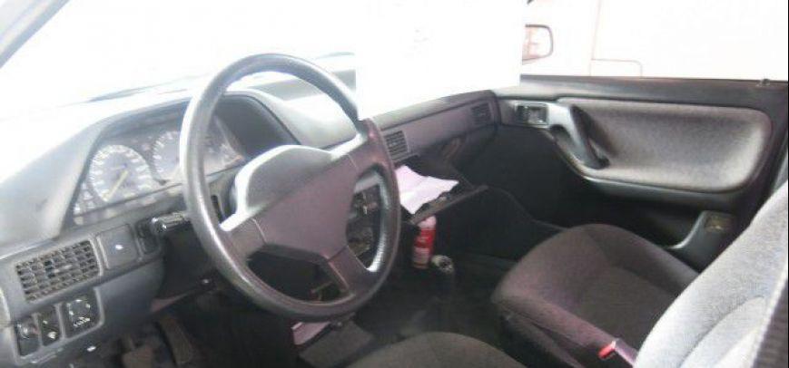 Mazda 323 1997 - 3