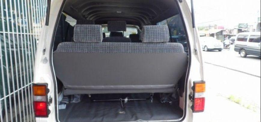 Nissan Urvan 2011 - 13